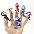 Игрушка обезьянка на палец